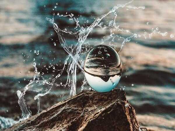 Nằm mơ thấy nước dự đoán điều gì tương lai
